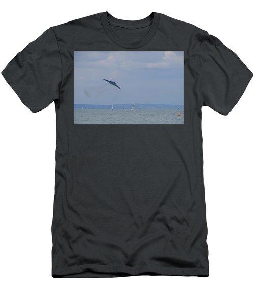 Avro Vulcan Men's T-Shirt (Athletic Fit)