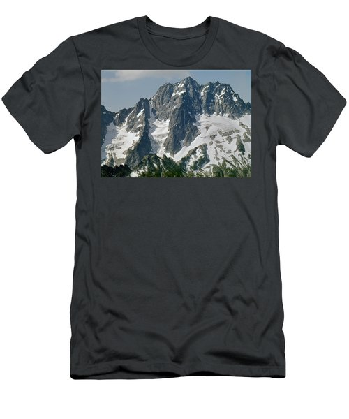 304630 North Face Mt. Stuart Men's T-Shirt (Athletic Fit)