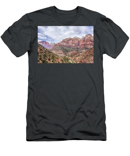 Zion Canyon National Park Utah Men's T-Shirt (Athletic Fit)