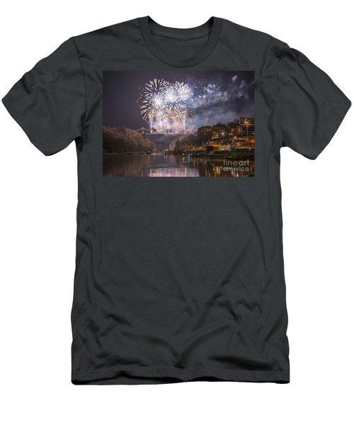 Clifton Suspension Bridge Fireworks Men's T-Shirt (Athletic Fit)