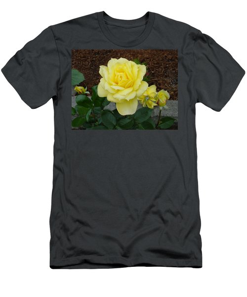 4 Yellow Roses Men's T-Shirt (Athletic Fit)