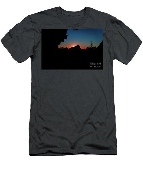 A Beautiful Night... Men's T-Shirt (Slim Fit)