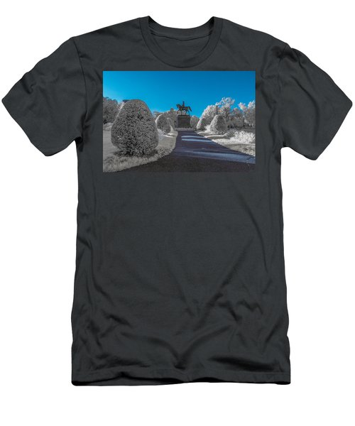 A Frosted Boston Public Garden Men's T-Shirt (Athletic Fit)