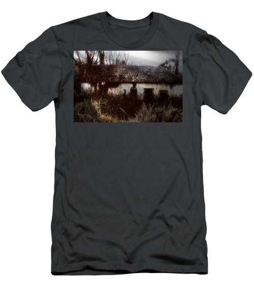 A House In The Woods Men's T-Shirt (Athletic Fit)