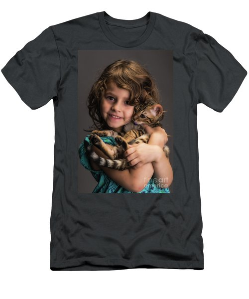 A Little Girl And Her Kitten Men's T-Shirt (Athletic Fit)