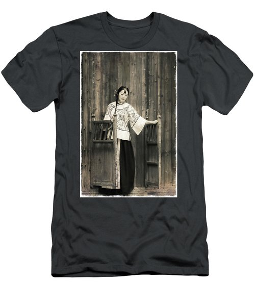 A Model In A Period Costume. Men's T-Shirt (Athletic Fit)