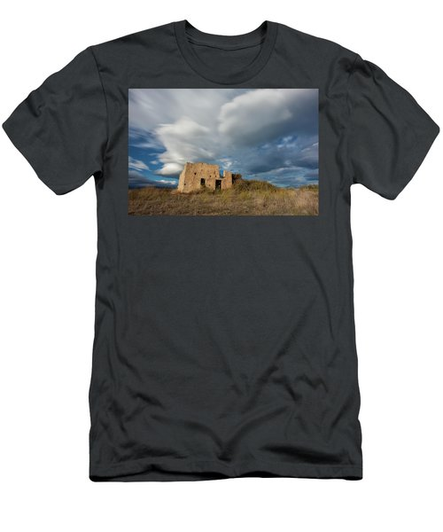 Abandoned House Men's T-Shirt (Athletic Fit)