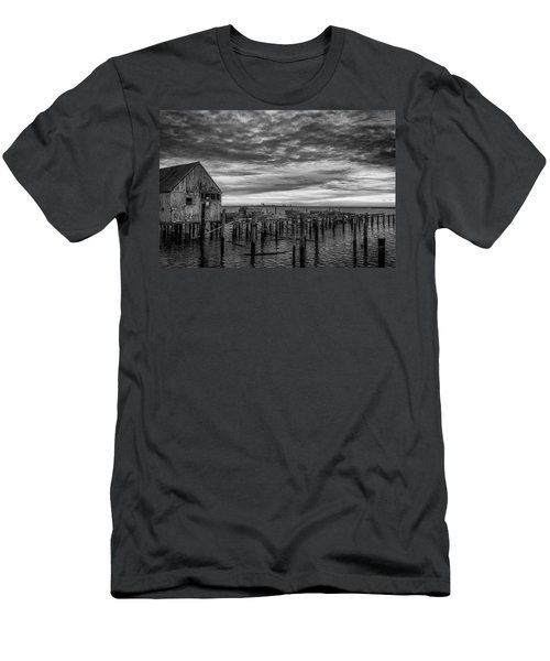 Abandoned Pier Men's T-Shirt (Athletic Fit)