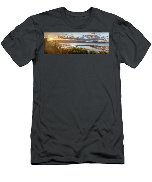 Airlie Beach Marina Men's T-Shirt (Athletic Fit)
