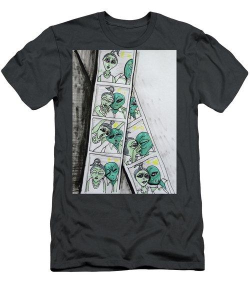 alien Photo Booth  Men's T-Shirt (Athletic Fit)