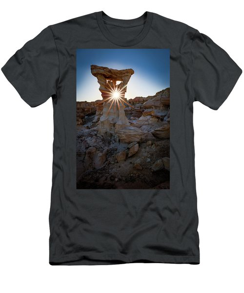Allien's Throne Men's T-Shirt (Athletic Fit)