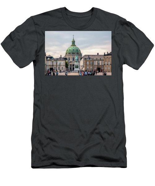 Amalienborg Men's T-Shirt (Athletic Fit)