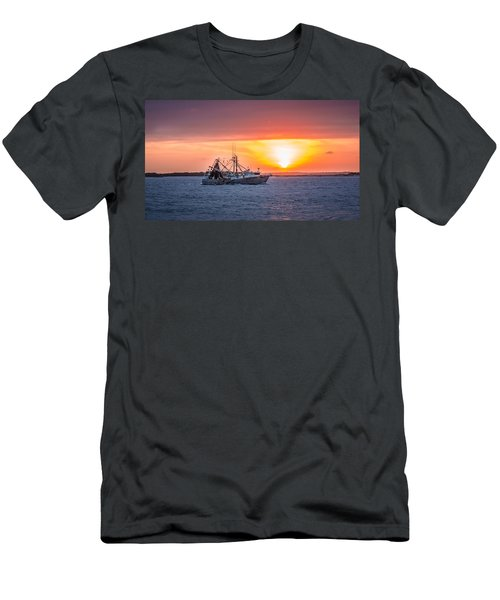 Amelia River Sunset 25 Men's T-Shirt (Athletic Fit)