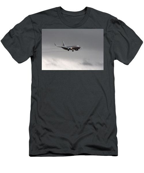 American Airlines-landing At Dfw Airport Men's T-Shirt (Athletic Fit)