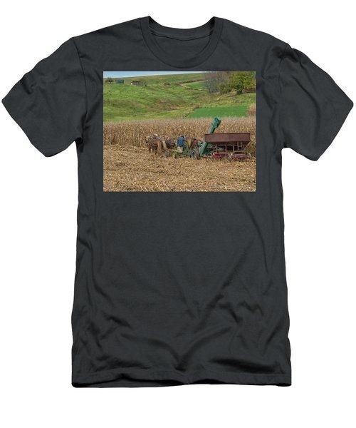 Amish Harvest In Ohio  Men's T-Shirt (Athletic Fit)