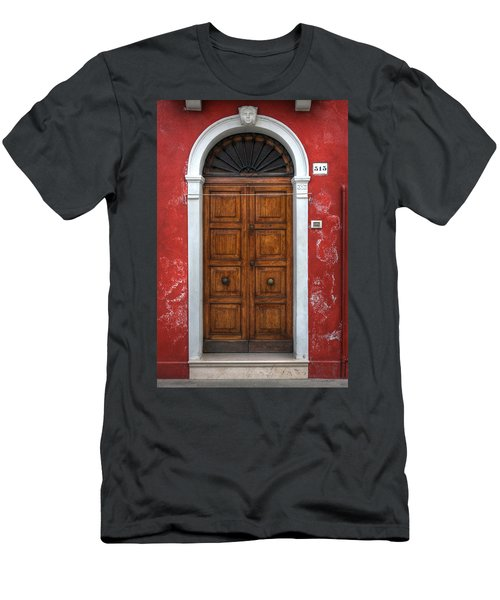 an old wooden door in Italy Men's T-Shirt (Athletic Fit)