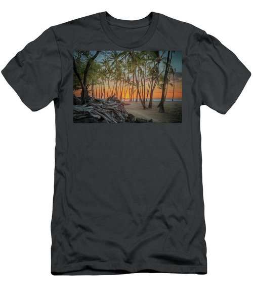 Anaehoomalu Beach Sunset Men's T-Shirt (Athletic Fit)