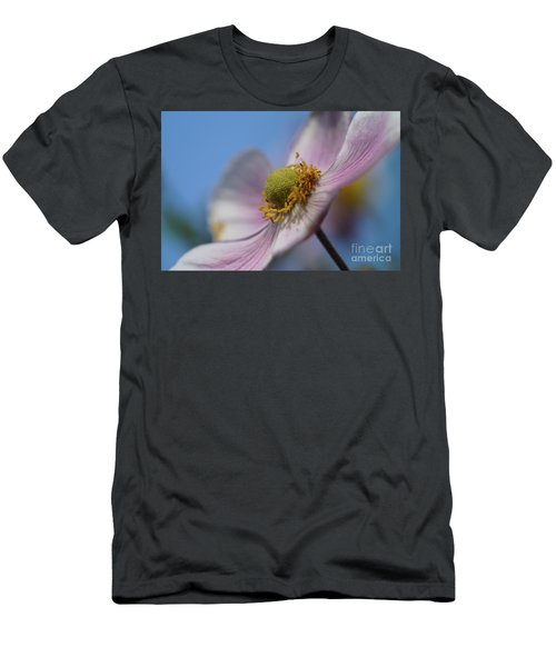 Anemone Tomentosa Close Up Men's T-Shirt (Athletic Fit)