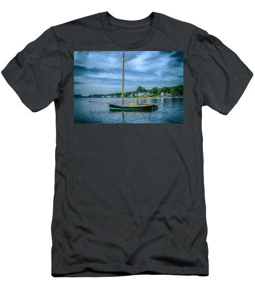 Annie, Mystic Seaport Museum Men's T-Shirt (Athletic Fit)