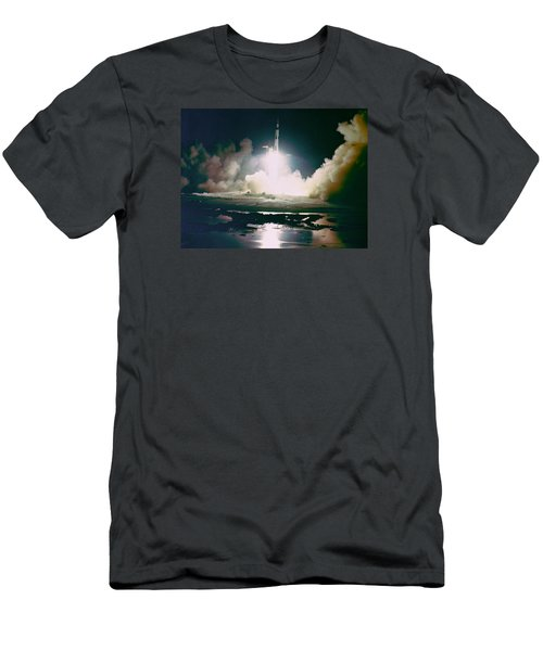 Apollo 17 Night Launch Men's T-Shirt (Athletic Fit)