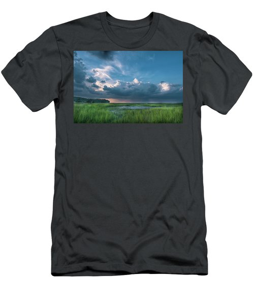 Approaching Storm Men's T-Shirt (Athletic Fit)