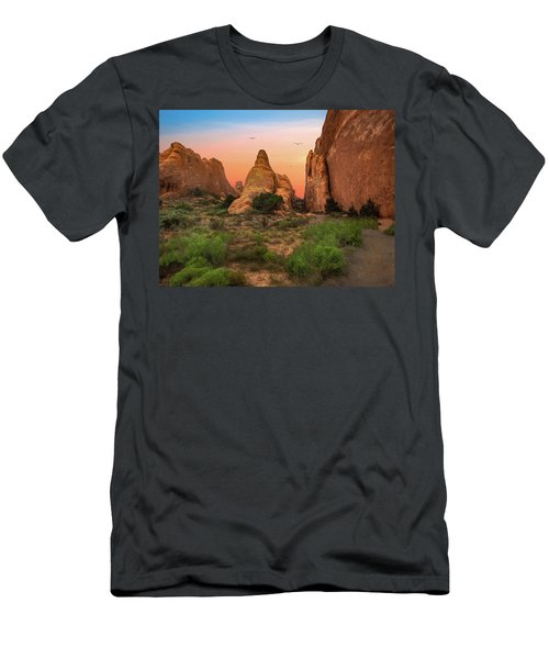 Arches National Park Sunset Men's T-Shirt (Athletic Fit)
