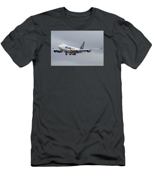 Atlas Air Boeing 747-47uf N415mc Phoenix Sky Harbor December 23 2015  Men's T-Shirt (Athletic Fit)