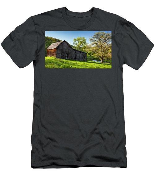 Bad Axe Barn Men's T-Shirt (Athletic Fit)