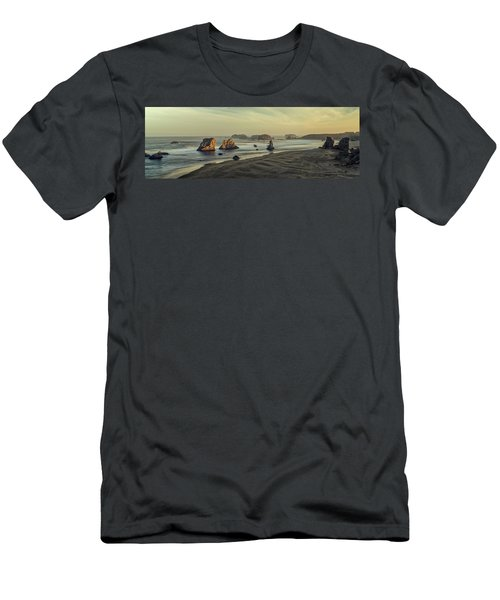 Bandon Sunrise Pano Men's T-Shirt (Athletic Fit)