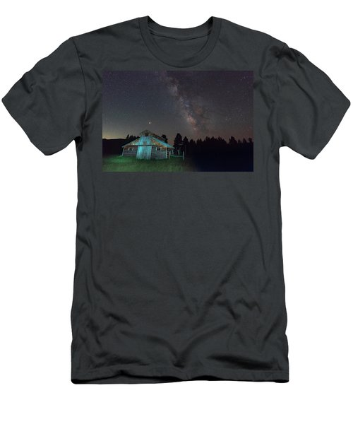 Barn In Rocky Men's T-Shirt (Athletic Fit)