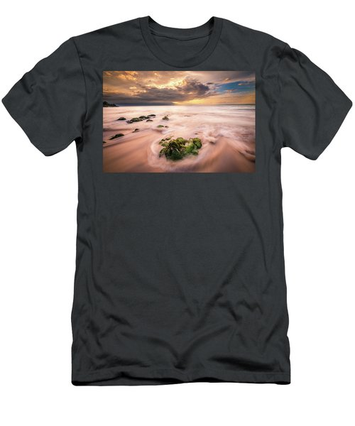 Beach At Paia Men's T-Shirt (Athletic Fit)