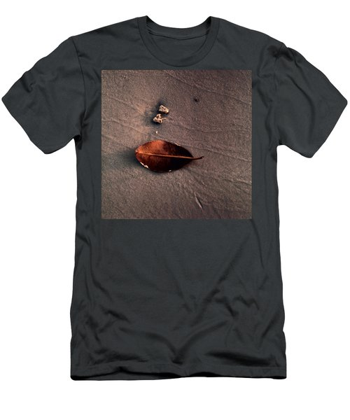 Beached Leaf Men's T-Shirt (Athletic Fit)