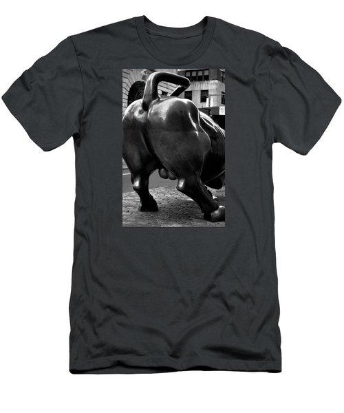Bearish View Of Wall Street Bull - N Y C Men's T-Shirt (Athletic Fit)