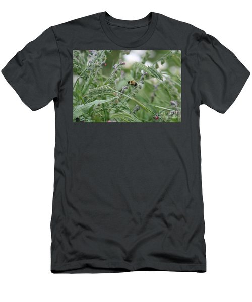 Bee In Flight Men's T-Shirt (Athletic Fit)