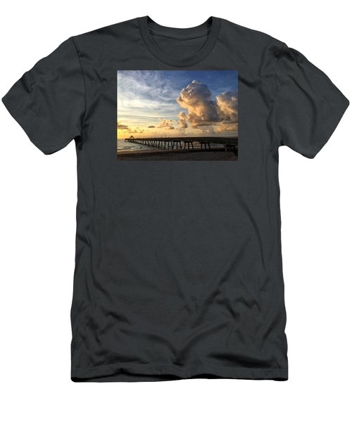 Big Cloud And The Pier, Men's T-Shirt (Athletic Fit)