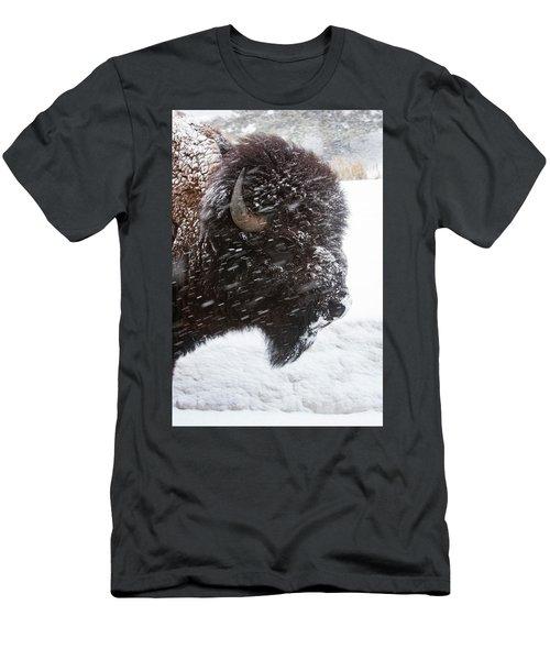 Bison In Snow Men's T-Shirt (Athletic Fit)