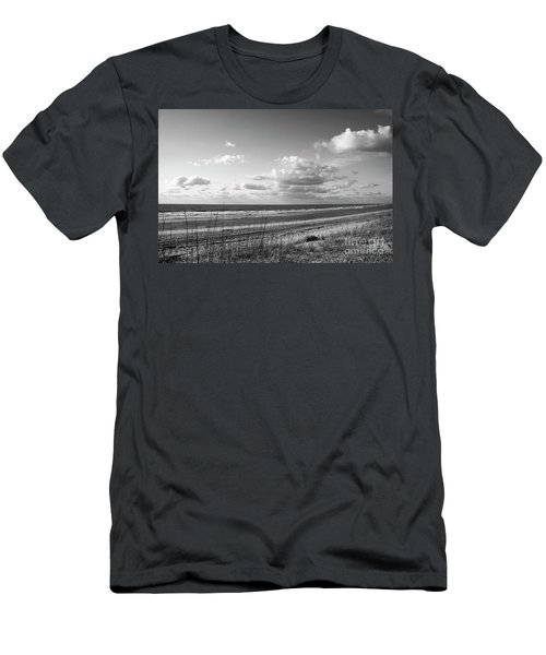 Black And White Ocean Scene Men's T-Shirt (Athletic Fit)
