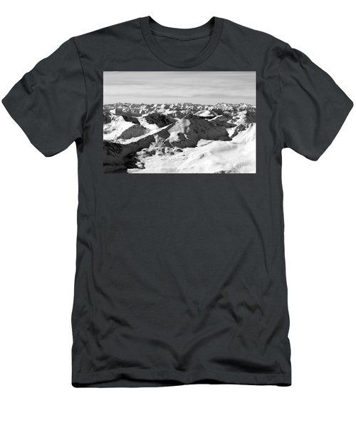 Black And White Of The Summit Of Mount Elbert Colorado In Winter Men's T-Shirt (Athletic Fit)