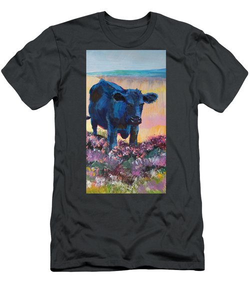 Black Cow On Dartmoor - Looking Moody Men's T-Shirt (Athletic Fit)