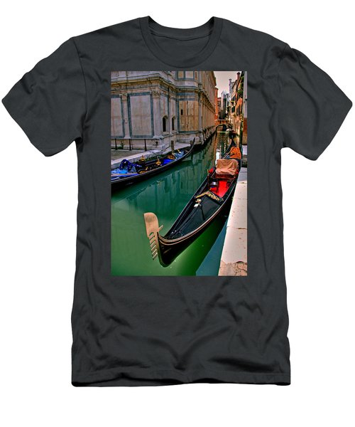 Black Gondola Men's T-Shirt (Athletic Fit)