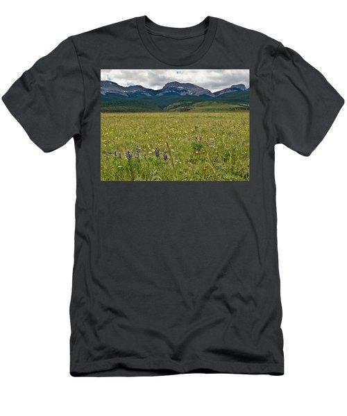 Blackleaf Canyon Men's T-Shirt (Athletic Fit)