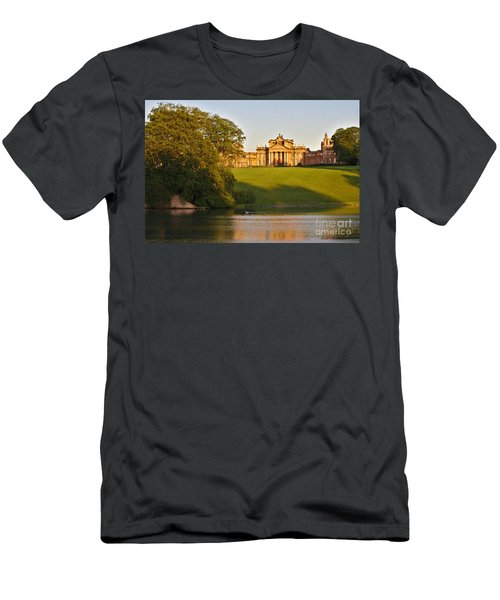 Blenheim Palace And Lake Men's T-Shirt (Athletic Fit)