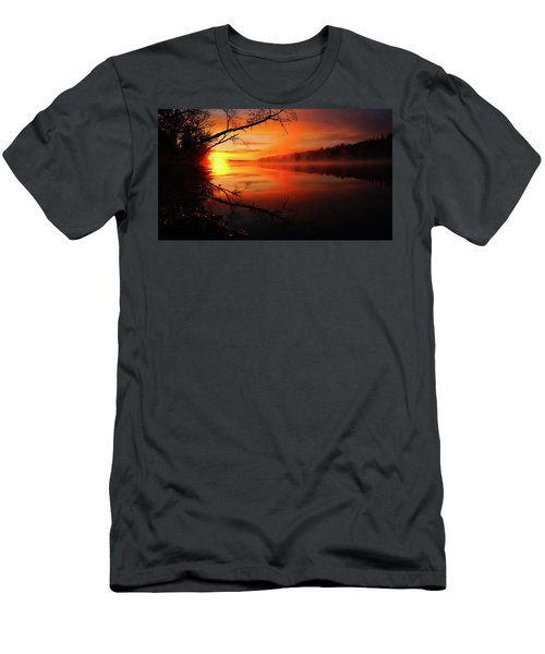 Blind River Sunrise Men's T-Shirt (Athletic Fit)