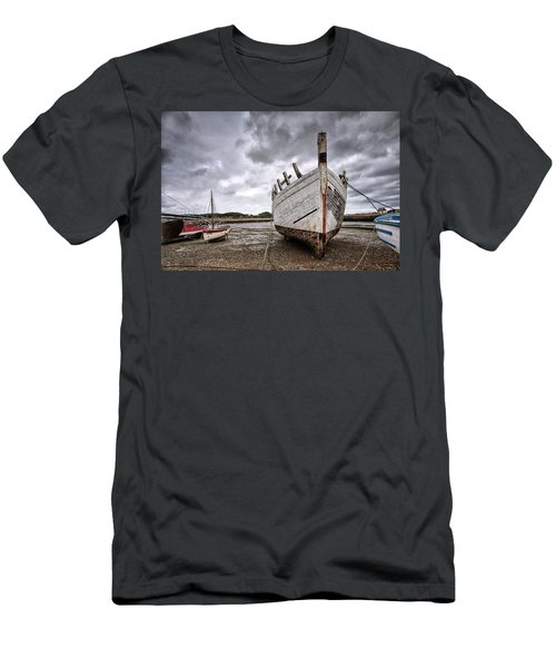 Boats By The Sea Men's T-Shirt (Athletic Fit)