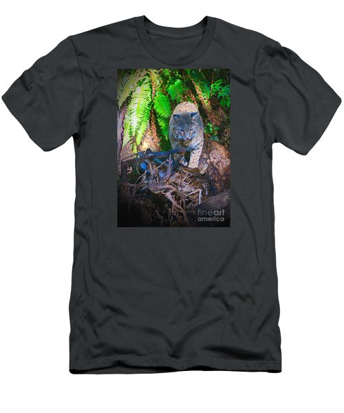 Bobcat On The Hunt Men's T-Shirt (Athletic Fit)