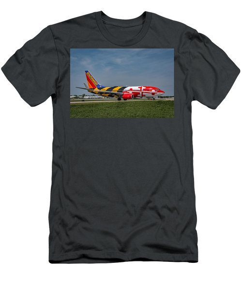 Boeing 737 Maryland Men's T-Shirt (Athletic Fit)