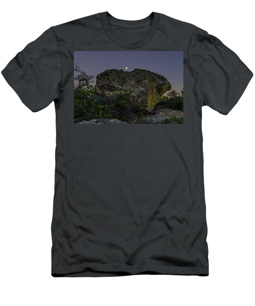 Boulder Moonrise Men's T-Shirt (Athletic Fit)