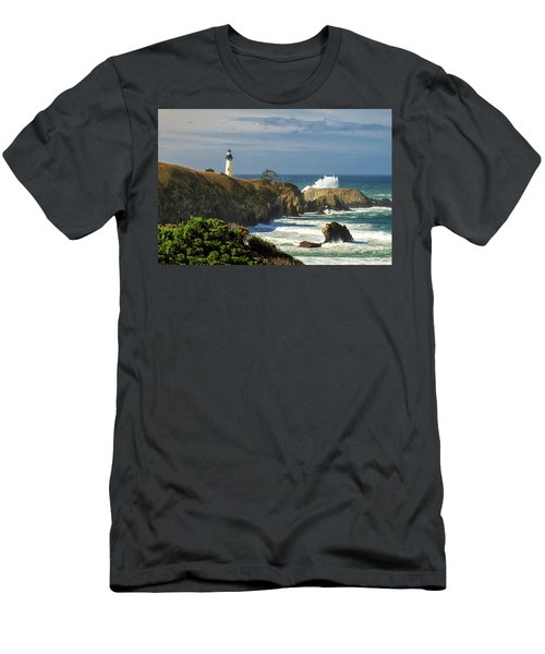 Breaking Waves At Yaquina Head Lighthouse Men's T-Shirt (Athletic Fit)