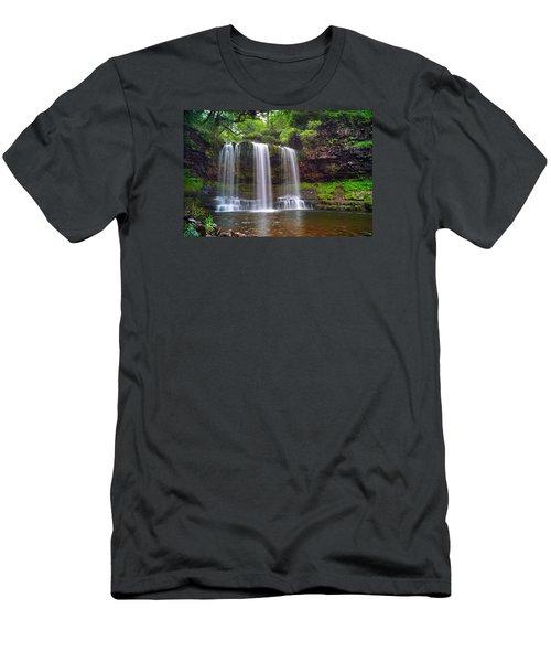 Brecon Beacons National Park 4 Men's T-Shirt (Athletic Fit)