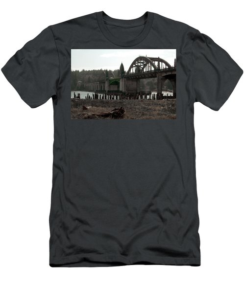 Bridge Deco Men's T-Shirt (Athletic Fit)